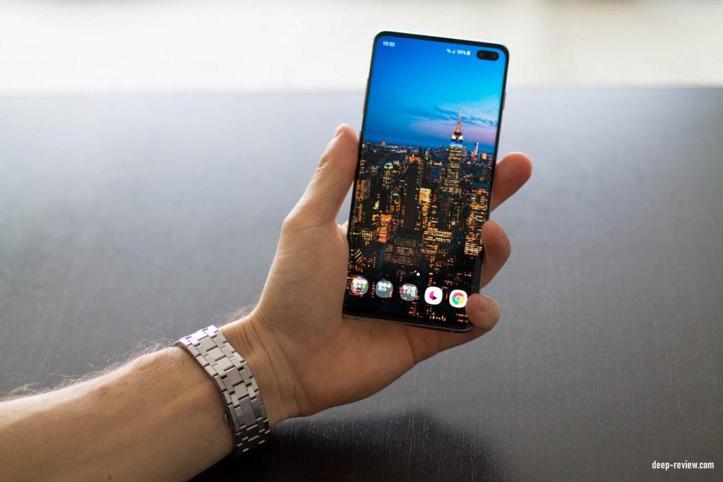 Футуристический вид Samsung Galaxy S10+