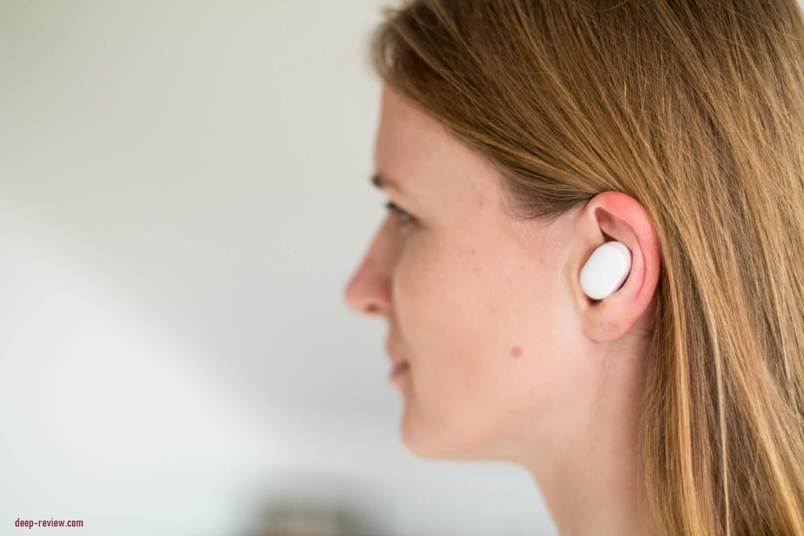 Как наушники Xiaomi AirDots выглядят в ушах?