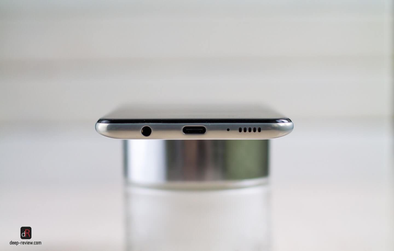 Нижняя грань смартфона Galaxy A30