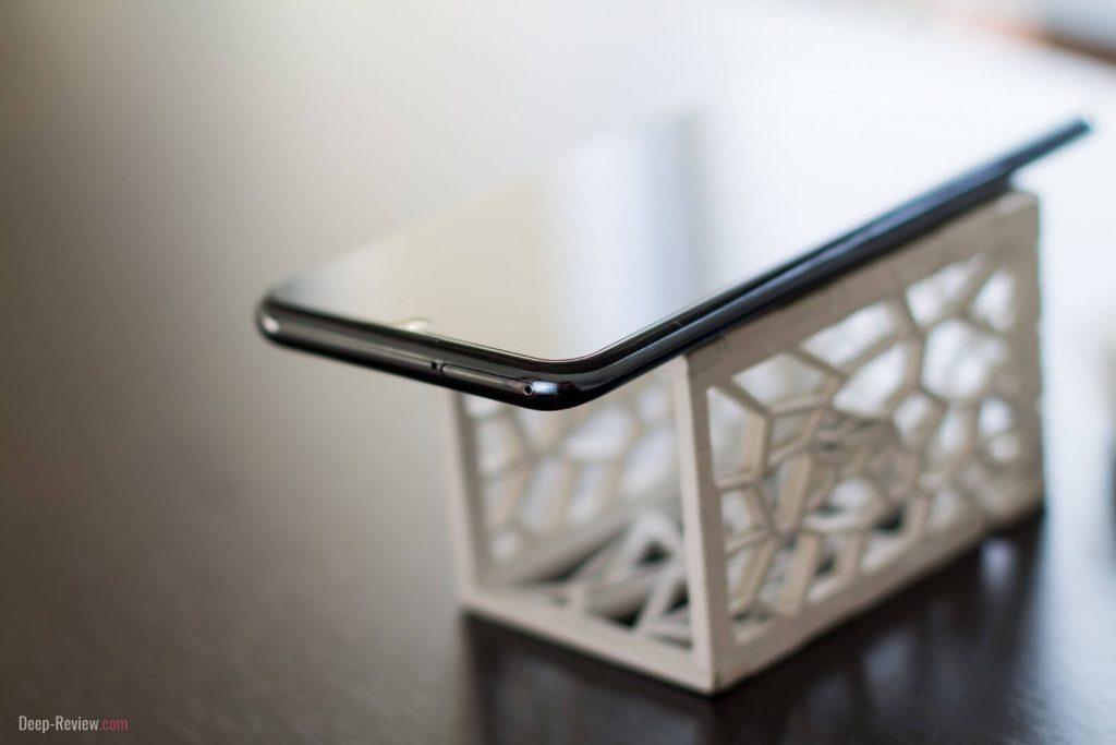 Верхняя грань смартфона Honor 10 Lite