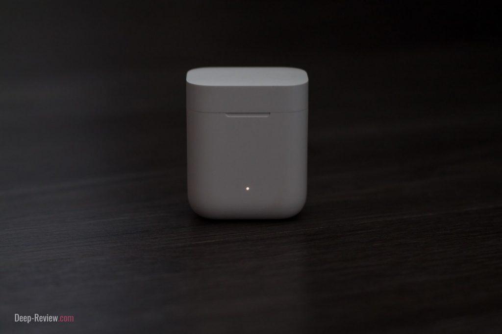 LED-индикатор на кейсе Mi True Wireless Earphones