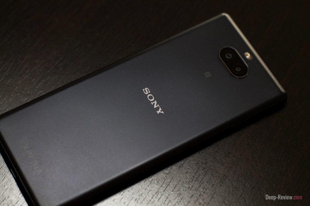 Как выглядит металлическое покрытие на пластиковом Sony Xperia 10