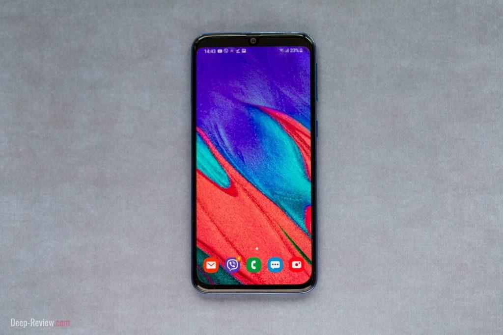 как можно скрыть вырез на Samsung Galaxy A40