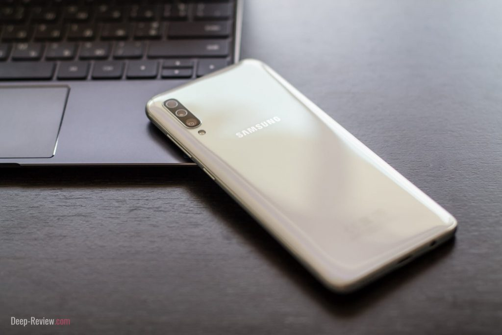 Дизайн смартфона Samsung Galaxy A70