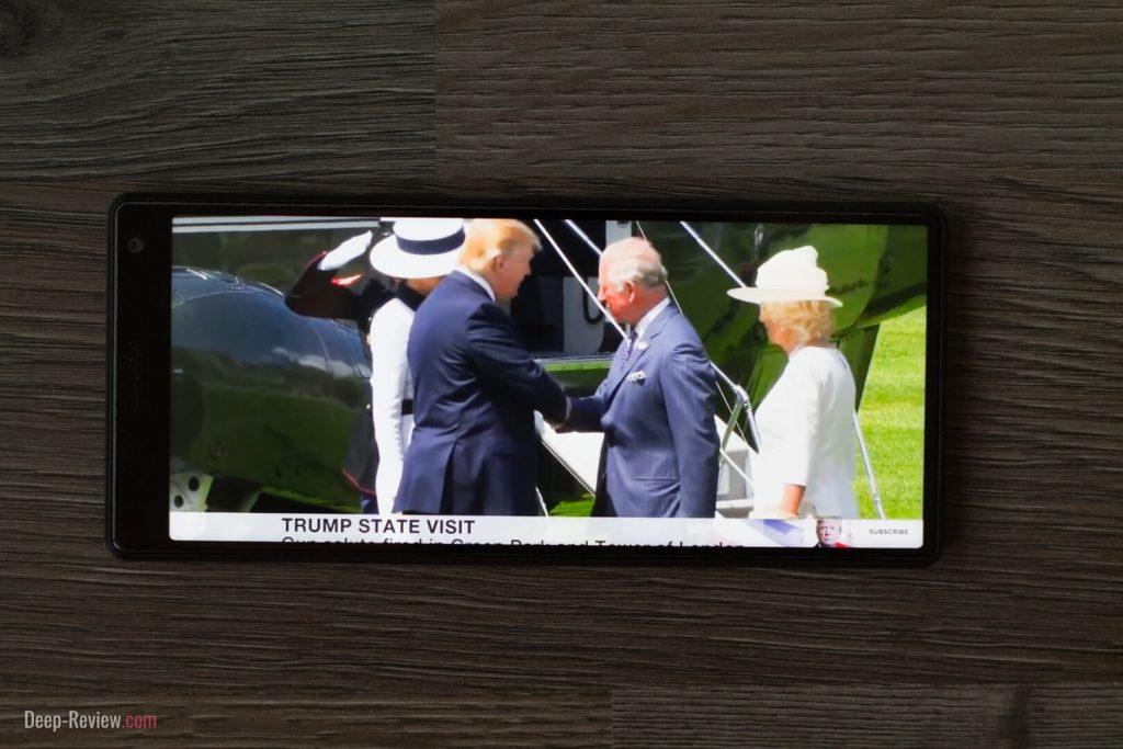 Сильно ли обрезается YouTube на полном экране Sony Xperia 10