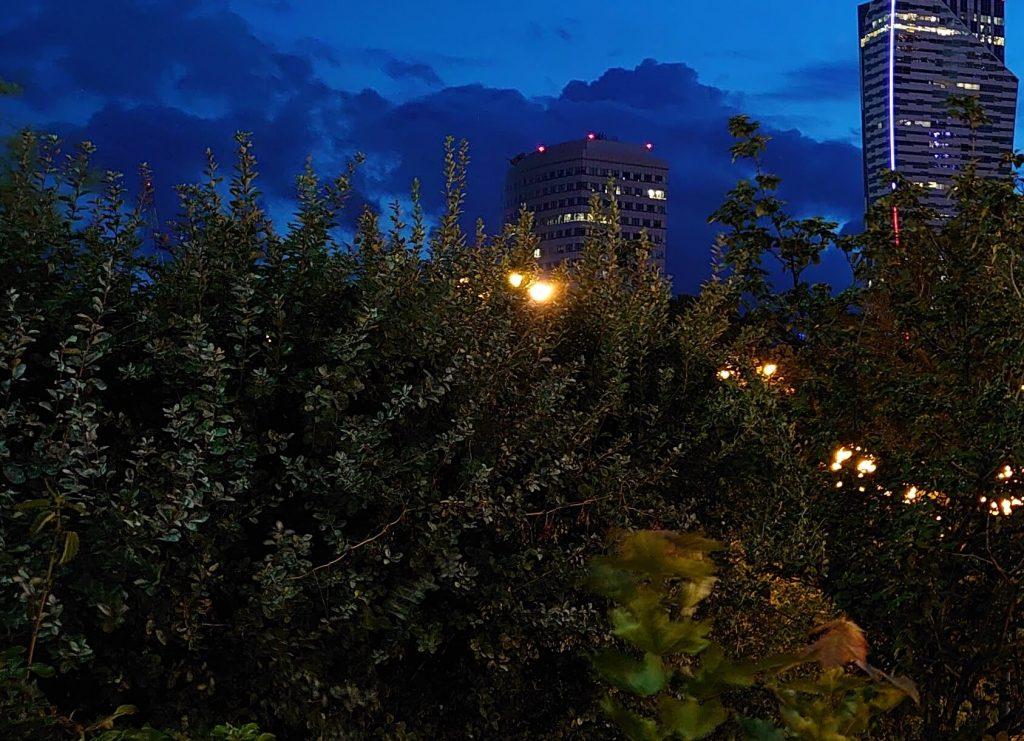 Пример ночной съемки на основную камеру Sony Xperia 1 на ручных настройках (кроп)