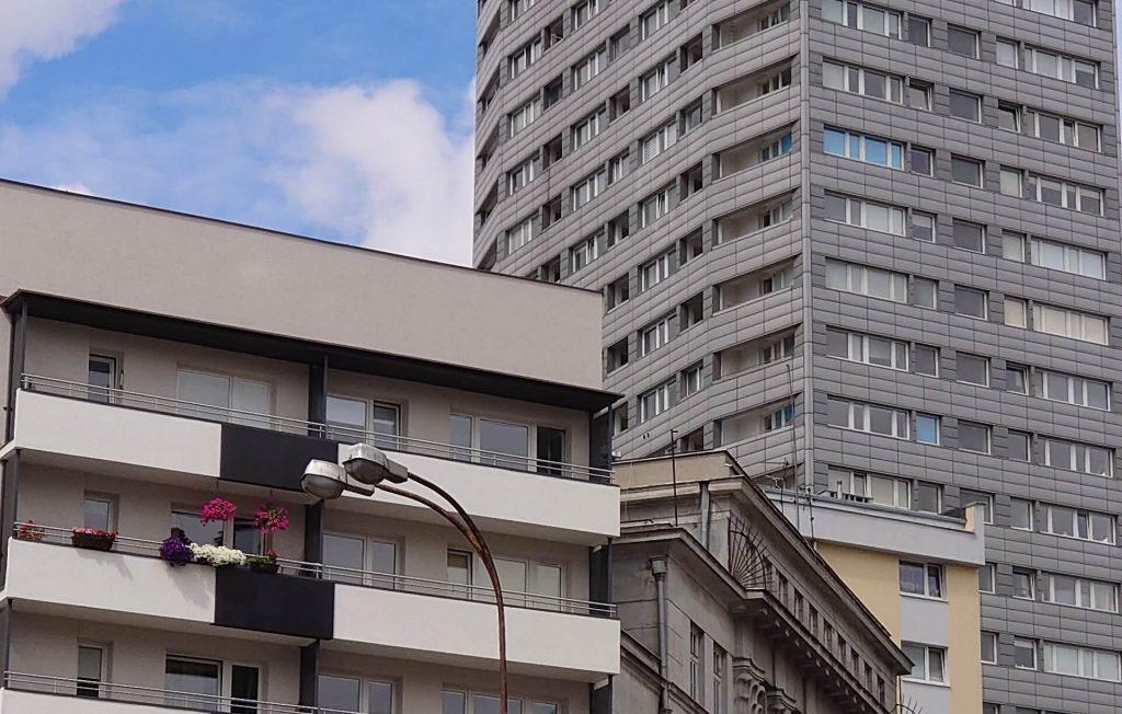 Кроп снимка на телефото камеру Sony Xperia 1 при дневном свете