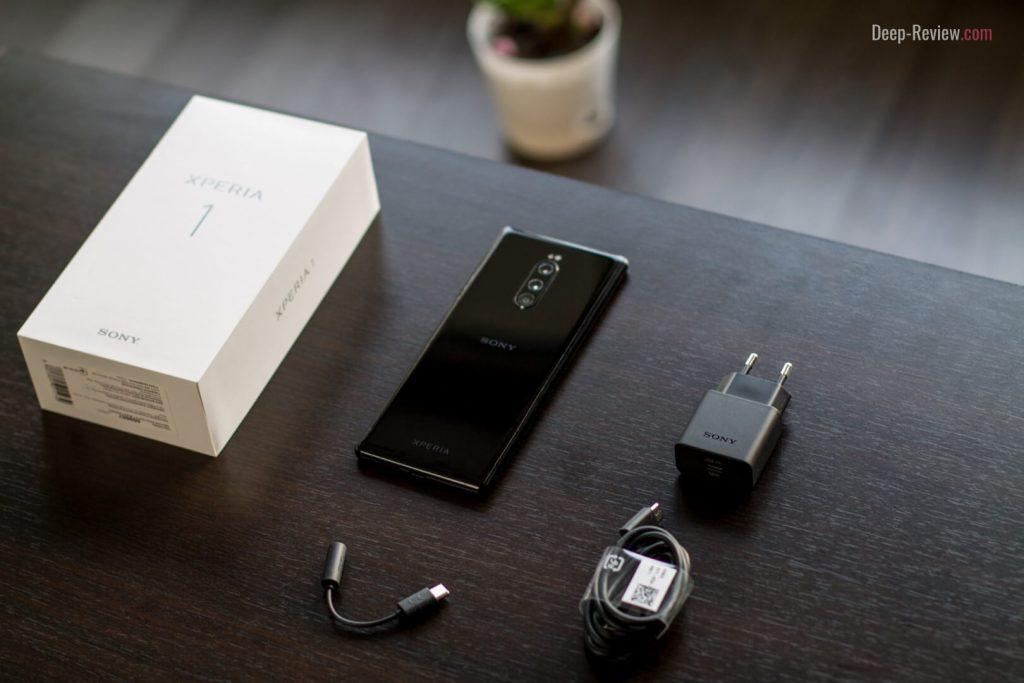 упаковка смартфона Sony Xperia 1