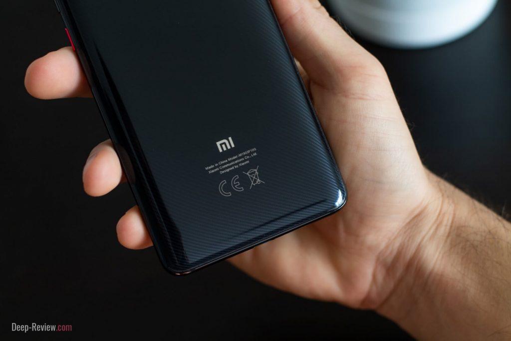 Как выглядит задняя крышка под карбон на Xiaomi Mi 9T