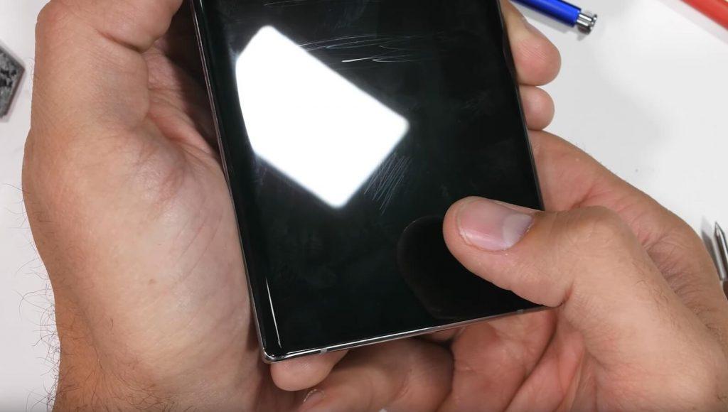 датчик отпечатка на Galaxy Note 10 работает даже через царапины