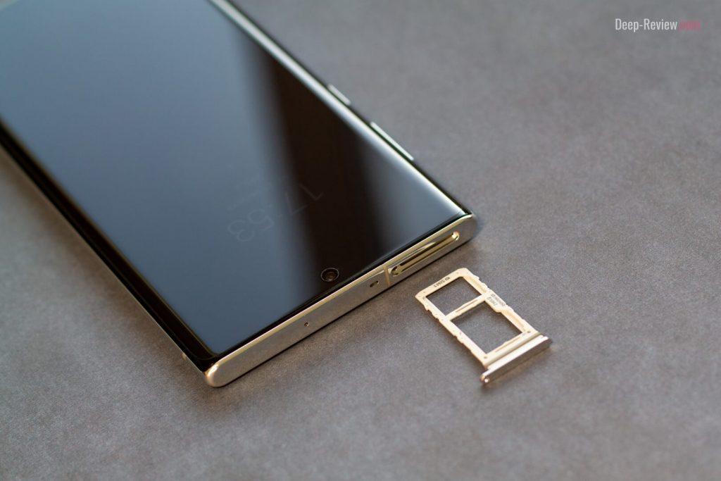 отсек для SIM-карт и верхняя грань смартфона Galaxy Note 10+