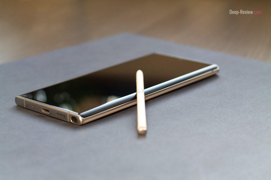 строгая форма корпуса Galaxy Note 10+