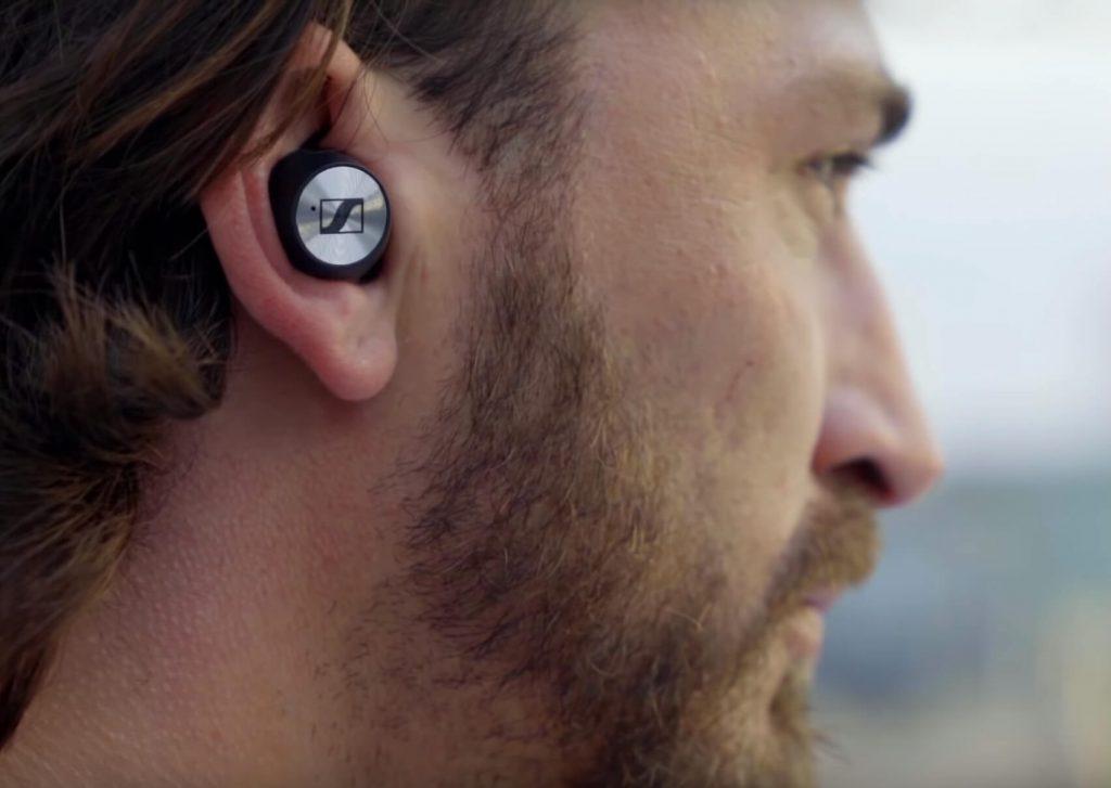 как наушники Sennheiser Momentum TW выглядят в ушах?