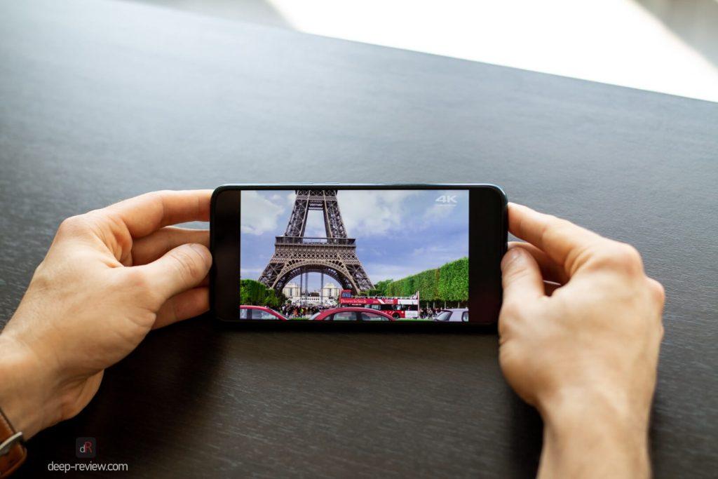 YouTube с рамками по краям на экране Huawei P Smart Z