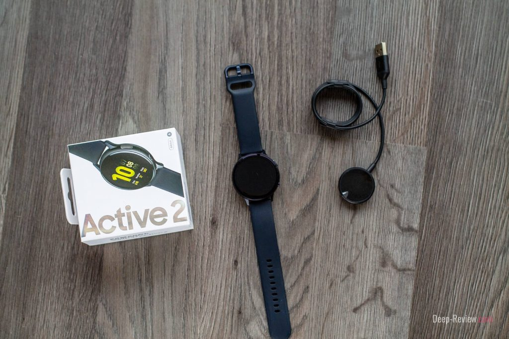 что в комплекте с galaxy watch active 2?