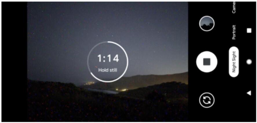 видоискатель смартфона с функцией Night Sight в темноте
