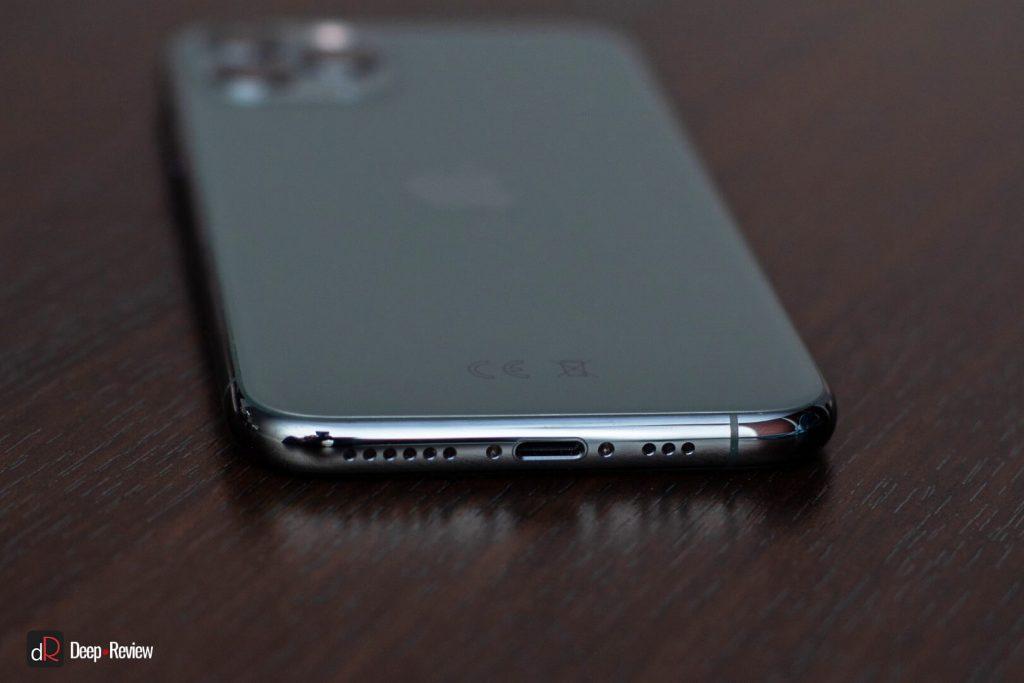 iPhone 11 Pro вид снизу