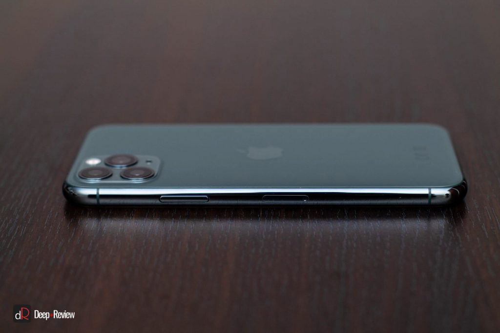 iPhone 11 Pro справа