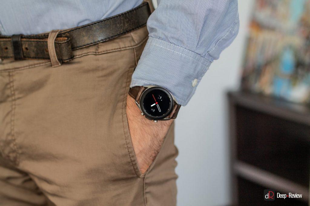 Galaxy Watch 3 на мужском запястье