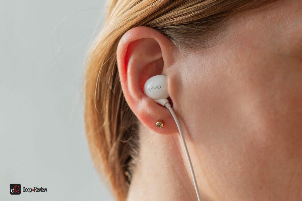 наушники x50 pro в ушах