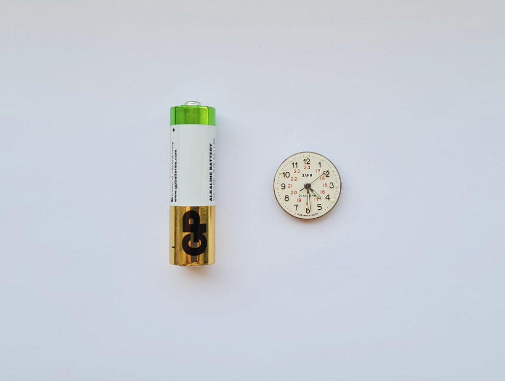 фото маленьких наручных часов