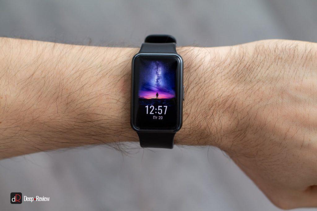 красочный экран часов