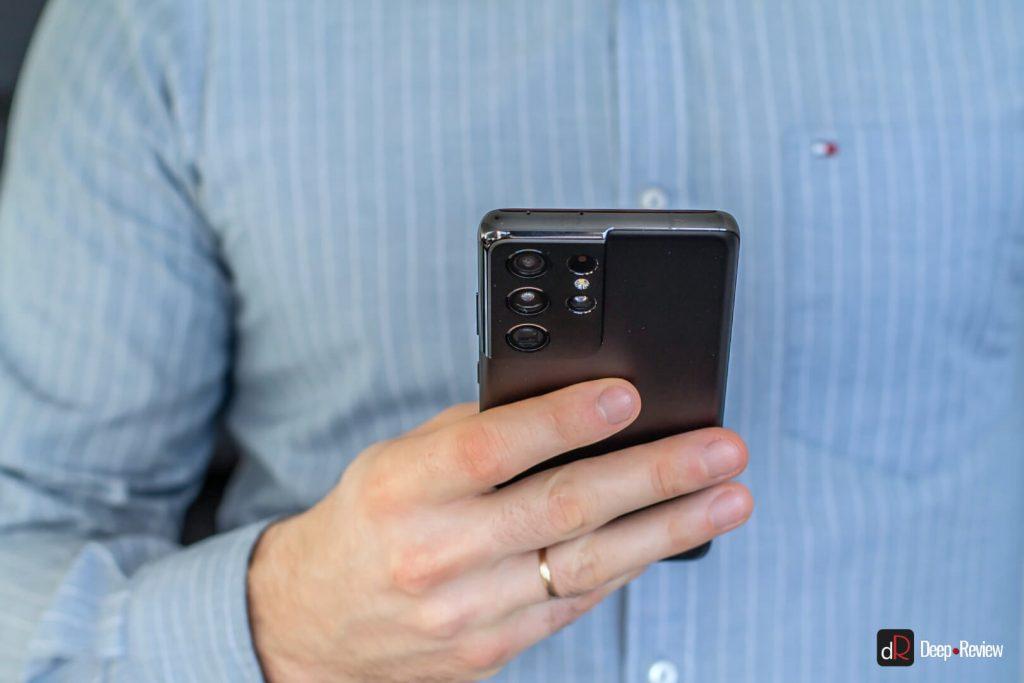 Galaxy S21 Ultra в руках
